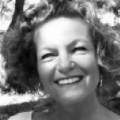 Linda SENEQUIER